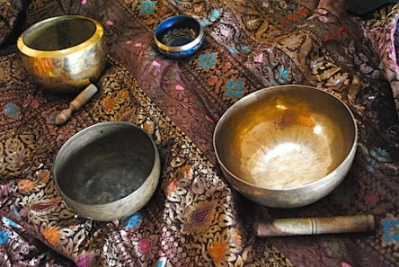 12312tibetan_singing_bowls